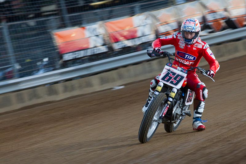 foto nicky hayden ducati flat track indy mile